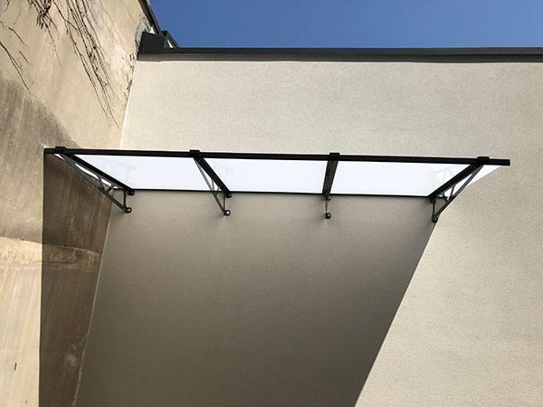 pensiline-in-plexiglass-terrazzi-legnano